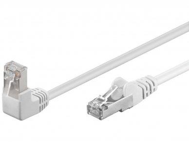 Komutacinis kabelis 3m F/UTP Cat5E, baltas kampinis-tiesus