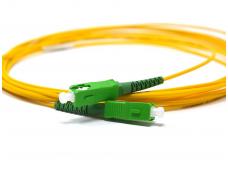 SC-APC komutacinis kabelis 5 m SM viengubas
