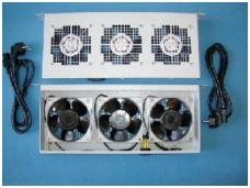 """Ventiliatorių panelė su 3 - ventiliatoriais, 19"""", 1U, 200"""